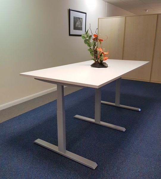 E:Lift Height Adjustable Meeting Table